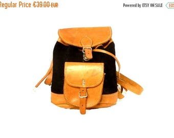 ON SALE 70s Vintage Backpack / Little leather Backpack / boho