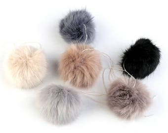Imitation Fur Pom Pom for Hats Ø8 cm
