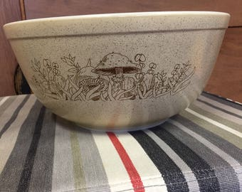 Forest Fancies Pyrex Mixing Bowl 403