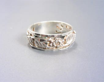 Vintage Sterling Diamond Cut Floral Band Ring Size 10