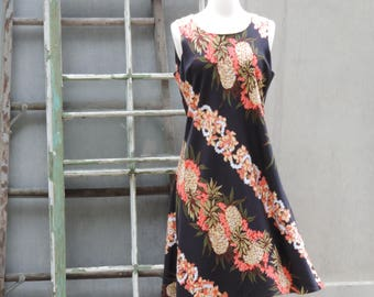 Vintage Hawaiian Dress Luau Tropical Dress Pacific Isle Hilo Hattie A Line Dress Hawaiian Beach Dress size M Summer Sun Dress