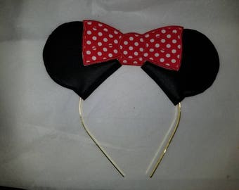 Mouse ears and bow headband slider in the hoop embroidery design