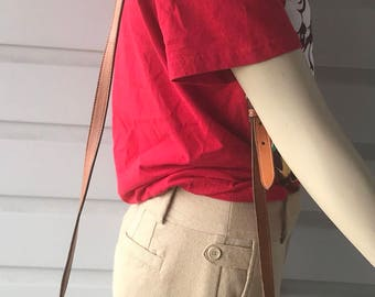 Vintage DOONEY & BOURKE AWL Green Cavalry Trooper # A214618 Messenger Crossbody Bag.