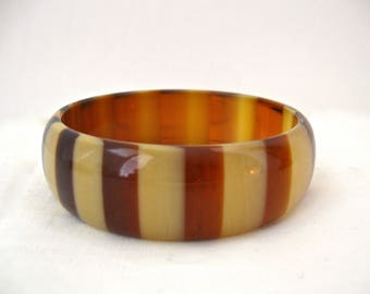 Vintage 1960s Lucite Bangle, Tan and Brown Stripes, Opaque Lucite Bangle