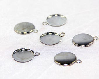 2 support 16mm silver 16mm scalloped pendants
