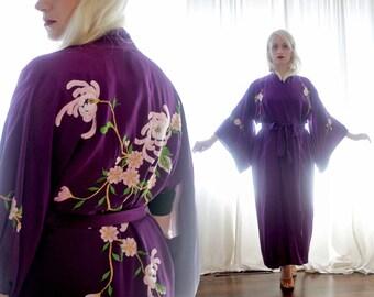Vintage purple silk Sakura cherry blossom embroidered metallic thread kimono boudoir robe boho ethnic Asian