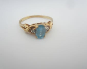 Vintage 10kt Gold And Swiss Blue Topaz Diamond Accents-Size 6.5 FREE SHIPPING (US)