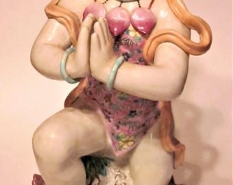 Beautiful Oriental Porcelain/Ceramic Figurine