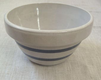 "RRP Co. Robinson Ransbottom Pottery Mixing Bowl Gray, Blue Stripes 8"", 1.5 Qt. Roseville, Ohio U.S.A."