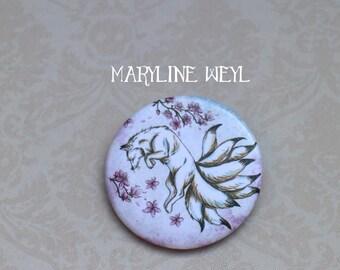 """White """"kitsune"""" Fox and cherry badge brooch"""