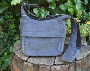 Corduroy shoulder bag,zippered bag