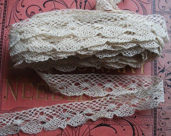 Vintage lace trim, cream cotton