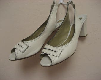 Vintage Chloe white slingback chunky heel pumps Size 39