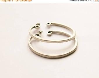 Matte Silver Hoop Earrings // Silver Plated Studs // 90's Hoop Earrings / Pierced Ears / Simple / Minimalist // Made in the UK
