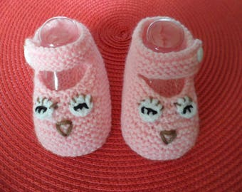 """Owls"" (0-3 months) baby booties"