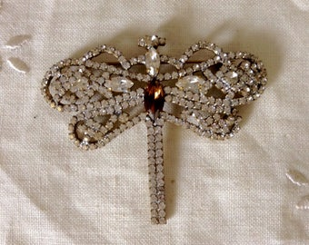 Lovely vintage rhinestone dragonfly brooch