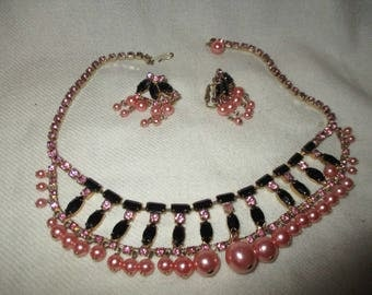faux pearl rhinestone choker necklace and earrings