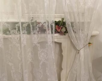 "Shabbychic Tulle Curtain Decor ""volute"""