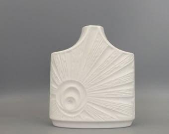 """Edelstein Bavaria 1247 / 1 white Porcelain decor : Sunrise,   Panton ,,Op Art"""" vase Modernist Mid Century  Germany."""