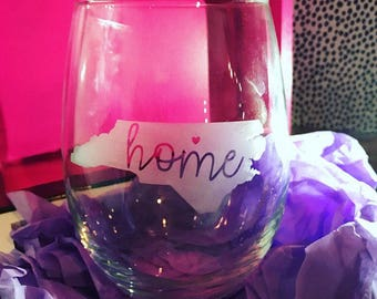NC Home Etched Stemless Wine Glass (Personalized) - Cursive