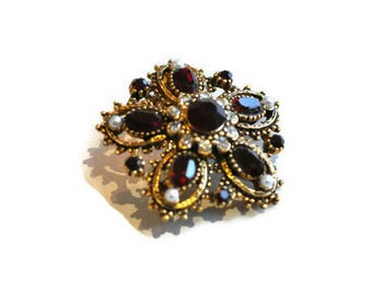 Vintage Floral Brooch in Ruby Red Rhinestones and Seed Pearls // Gold Tone Brooch