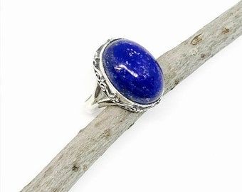 10% Lapis lazuli ring set in Sterling silver 925. Size -5. Natural authentic lapis lazuli stone.
