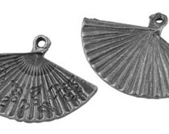 Set of 2 charms fan patterned metal silver antique 24x17mm
