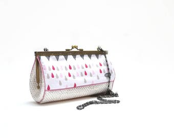 retro ninyl dragon print and White Leather shoulder pouch drops pink and gray