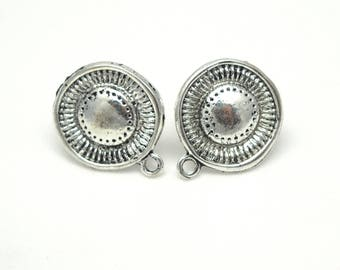 Round ear studs with 19x13mm silver metal ring