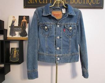 Levi's Jean Jacket. Vintage Jean Jacket. Women's Small Jean Jacket. Vintage Levi's Denim Jacket. Spring Jacket. Festival. Cool Streetwear.