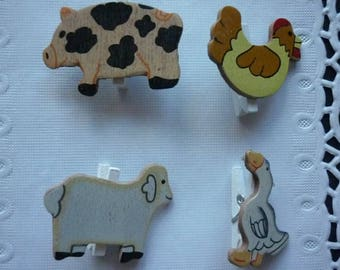 Mini clips farm animals wooden sold in sets of 4.