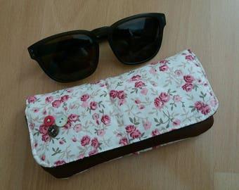 Étui à lunettes en coton fleuri et simili cuir marron