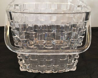 Crystalon Basket with Handle ~ Clear Acrylic ~ Serving Basket ~ Centerpiece ~ The Sociables ~ Grainware Co ~ Vintage