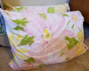 Pink Daisy Pastel Pillowcase Pair, Large Floral Cases
