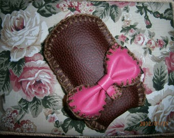 "Original wearable ""PINK BOW"" leatherette case. Burgundy size 7cm X 12cm"