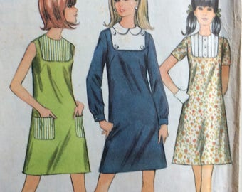 McCall's 9202 juniors A-line dress size 11/12 bust 32 vintage 1960's sewing pattern
