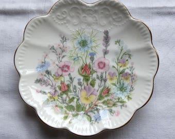 Vintage Aynsley WILD TUDOR Fine Bone China Round Scalloped Edge Soap Dish / Trinket Tray, Made in England