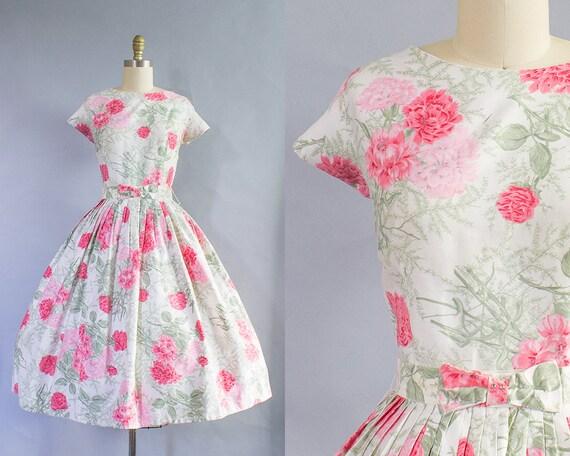 1950s Pink Carnations Floral Dress/ Medium (36B/28W)