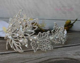 NEW and FAST Shipping!! Flexible Silver Bridal Wreath with Swarovski crystals,  Bridal Headband, Swarovski Halo, Crystal Hair Comb