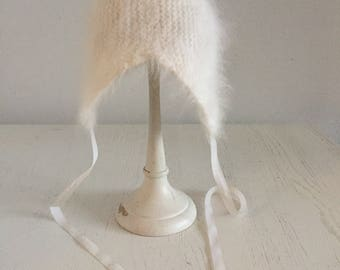 Vintage/baby/knit/hat/white/angora/ear flaps/newborn/winter/outer wear/baby girls hat/winter hat/hand made