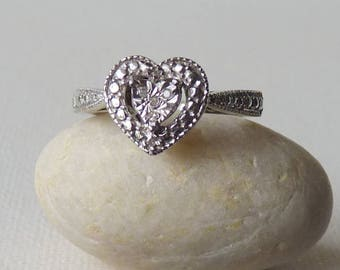 Vintage Sterling Silver Cubic Zirconia Ring Heart Shape CZ Cocktail Ring, Engagement Ring, Dainty Ring, Size 7, Zirconia Setting Heart Ring