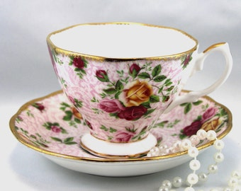 Royal Albert Duo,Old Country Roses Series, Soft Pink Lace Pattern, Gold Rims, Bone English China made in 2000s