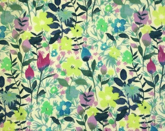 "Rochester B Liberty Fabric tana lawn scrap creamy white blue green lilac purple 10"" x 15"" square (25,4 cm x 38 cm) The Weavers Mill"