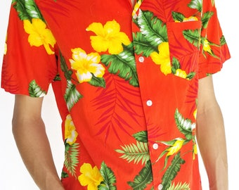 Vintage 1980s Red Floral Hawaiian Short Sleeve Button-Up / Size (L)