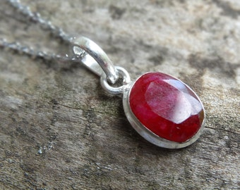 "Genuine Indian RUBY Sterling Silver Pendant Necklace - 18"" Sterling Silver Chain - Boho chic Necklace - Dainty Ruby Necklace - Natural stone"