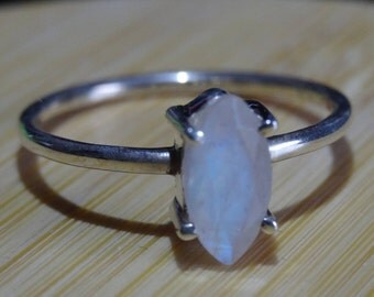 Sterling Silver Natural Moonstone Gemstone Ring Size 9 - Sterling Silver Ring - Gemstone Ring - Boho chic - Natural Stone Ring size 9