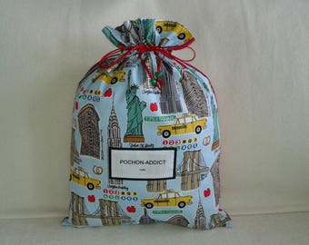 New York, monuments, towers, bridges, and yellow taxis on my pouch