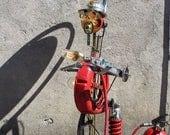 "Lampe industrielle ""Pompier y a le feu"" By Recyclhome."