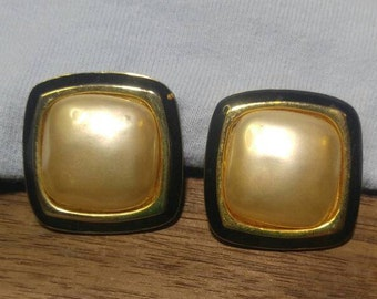 Carolee Vintage White Faux Pearl Cabochon Goldtone Clip Earrings