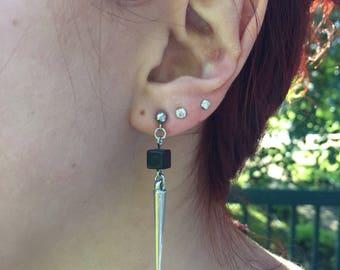 Earrings dangle silver cube minimalismes black tip